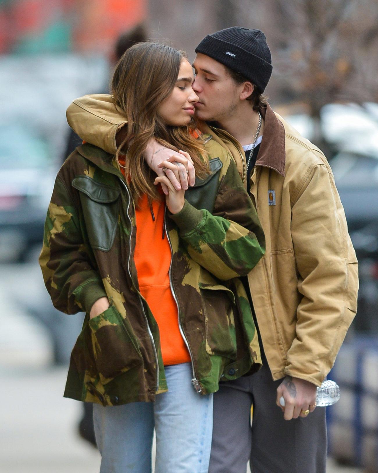 Brooklyn Beckham y su novia, Hana Cross.