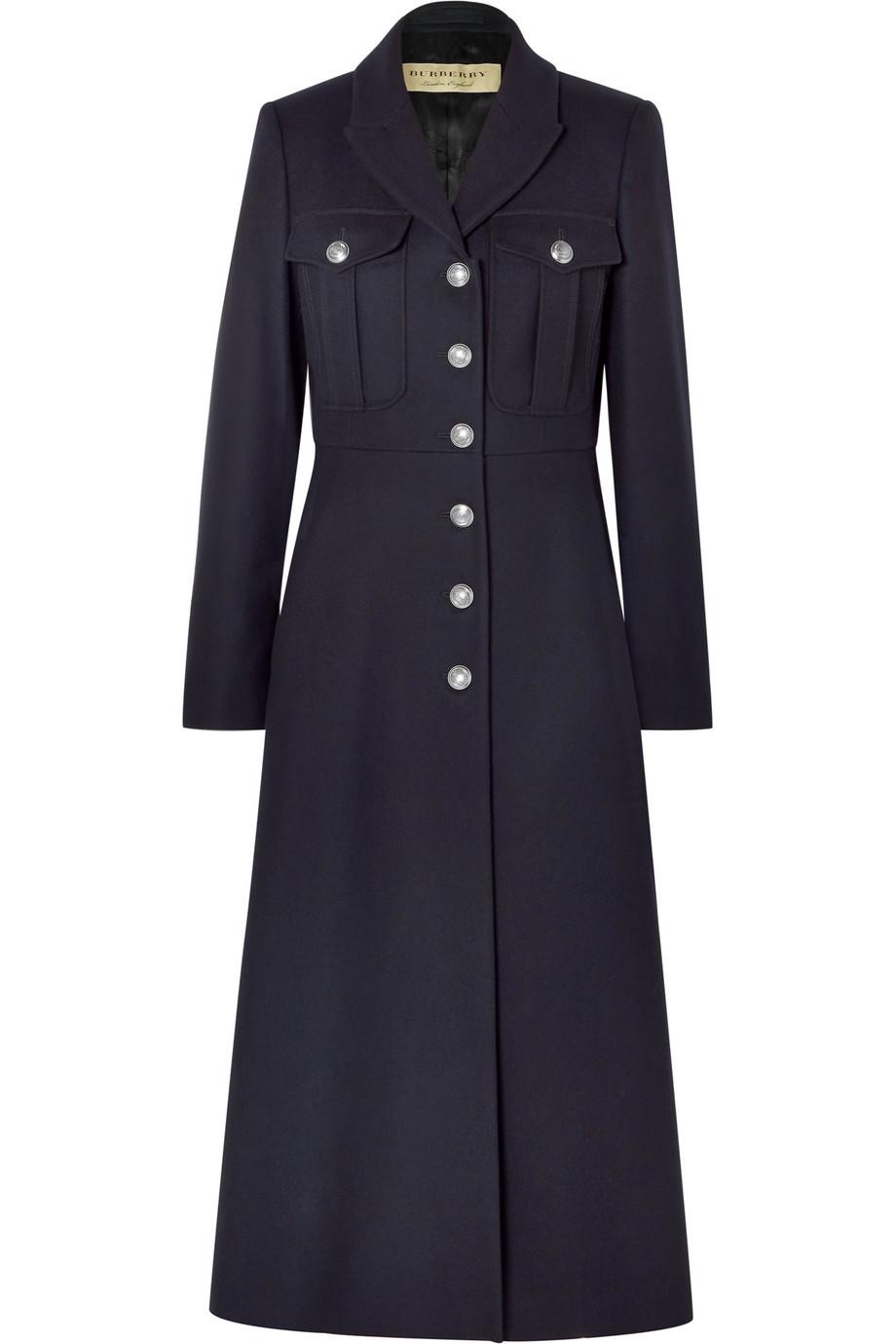 El abrigo de Burberry (1990 euros).