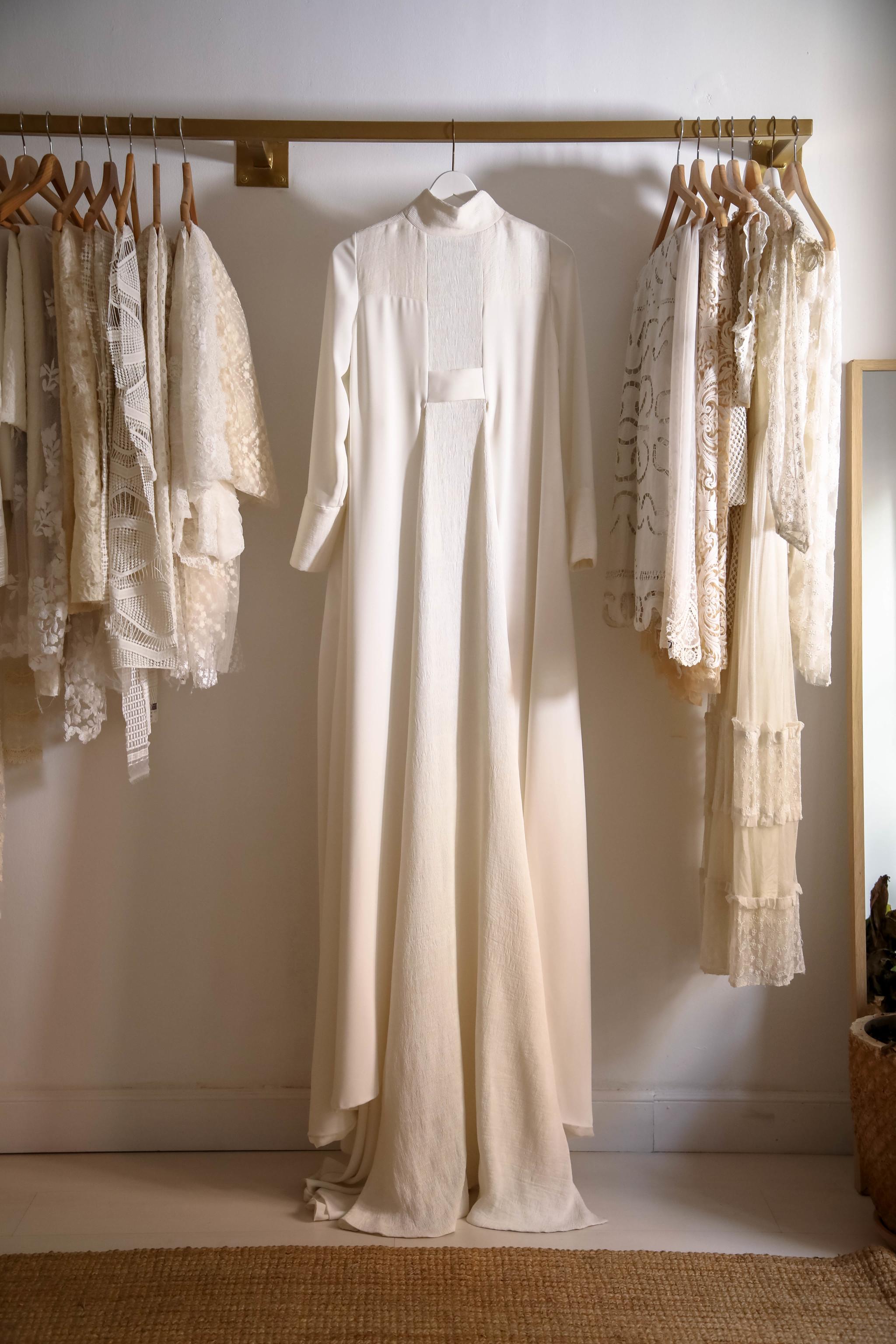 Para Claudia Llagostera, este abrigo representa el minimalismo y...