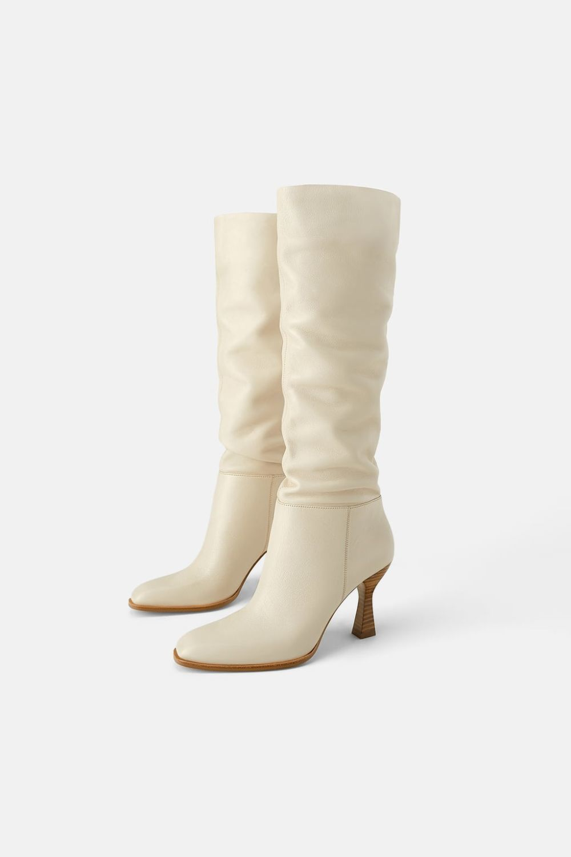 Botas altas beige de Zara