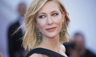 Cate Blanchett con su anterior tono de pelo rubio dorado icónico.