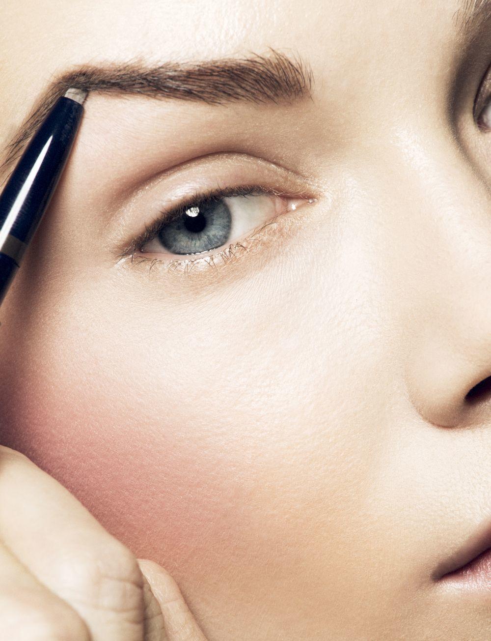 Los mejores productos de maquillaje para las cejas