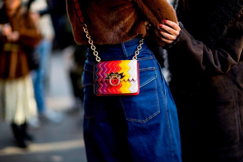 Formas geométricas y colores varios hacen de tu bolso el mejor...