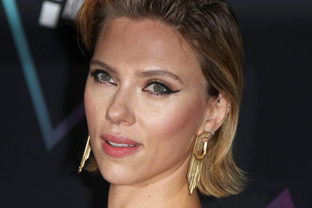 Scarlett Johansson es fiel al vinagre de manzana como tónico...