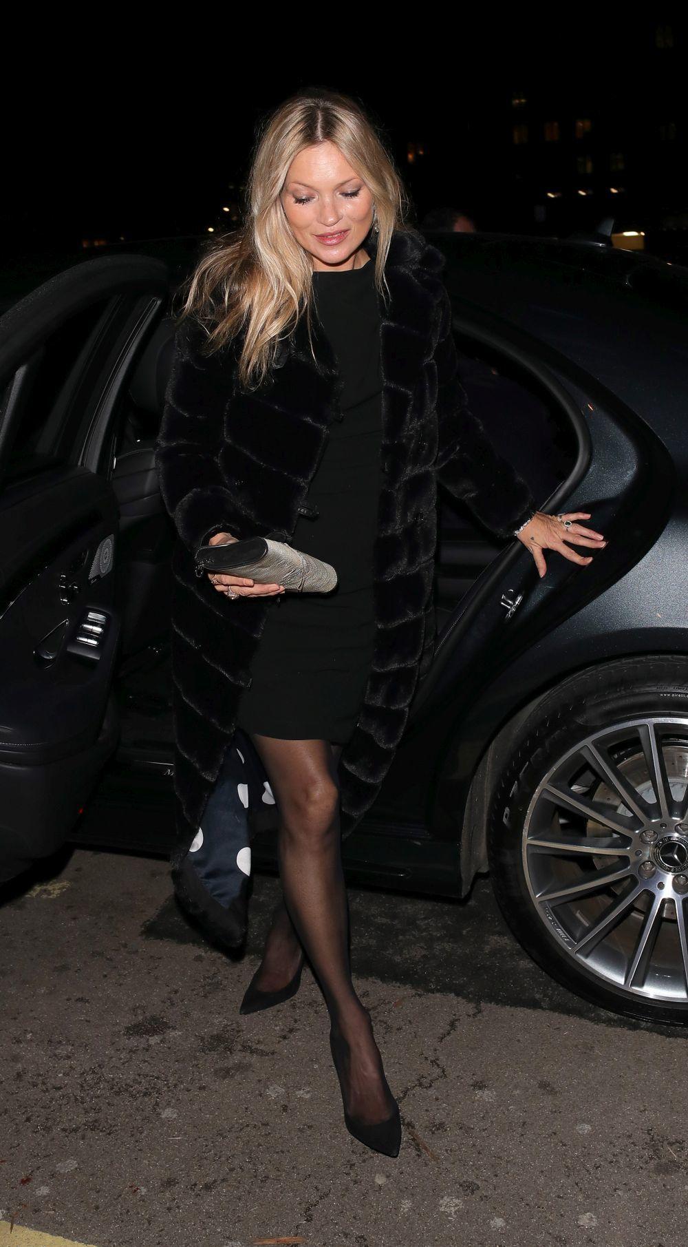 Kate Moss con un little black dress.