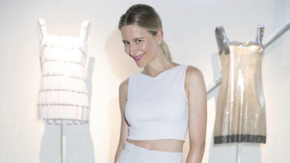 María León en la pasada exposición de TELVA Tributo Paco Rabanne.