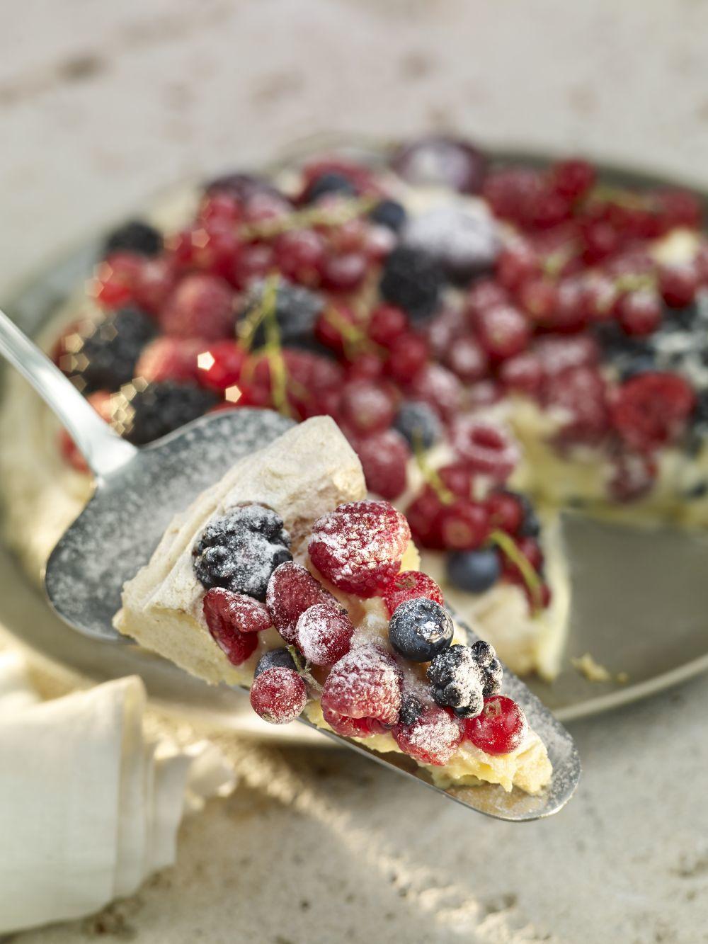 Tarta Pavlova de frutos rojos