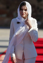 La reina Letizia rescata el traje de su pedida el Día de San Valentín