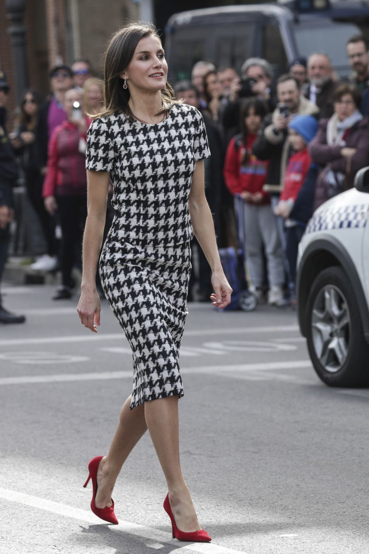 La reina Letizia con un conjunto de Hugo Boss.