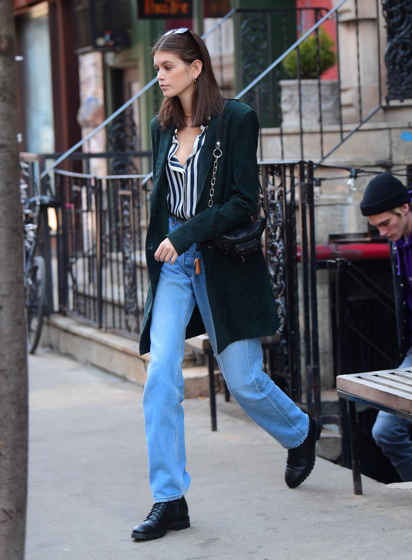 Kaia Gerber, hija de Cindy Crawford, de paseo por Nueva York.