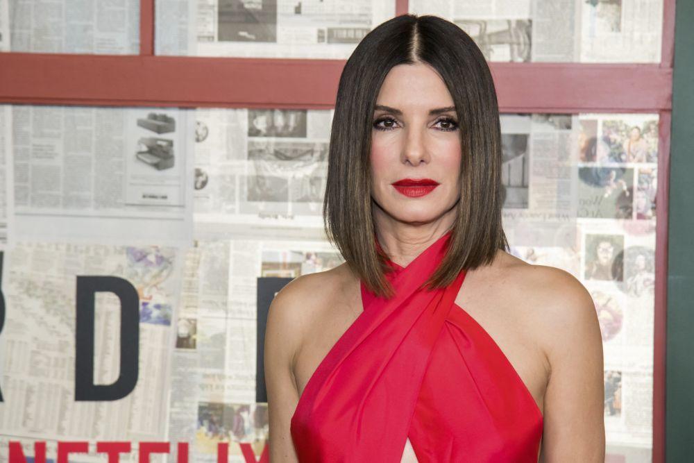 Sandra Bullock presume de un long bob liso ligeramente más largo por...
