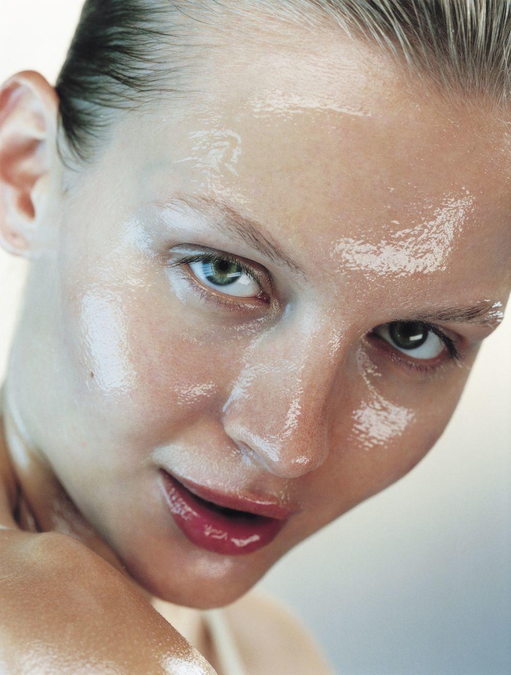Es fácil combatir los brillos en la piel si sigues estos consejos y...