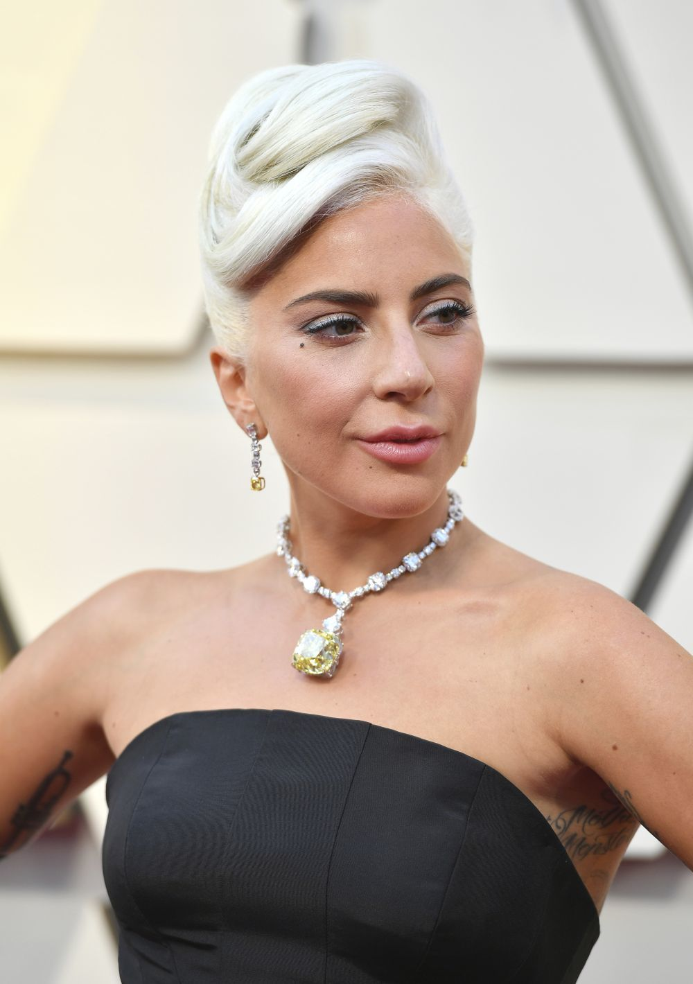 Lady Gaga ha lucido el histórico collar Tiffany Diamond que llevó...