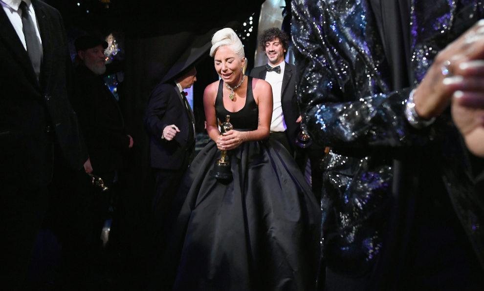 Lady Gaga recoge su Oscar a mejor canción por Shallow