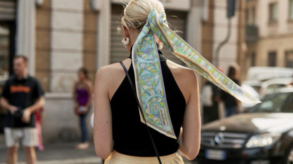 El pañuelo + moño bajo es la combinación ganadora.