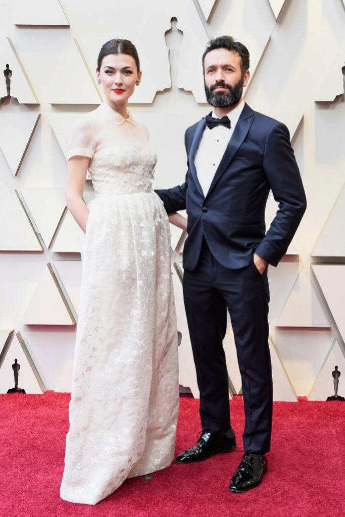 Marta Nieto con un vestido blanco de la primera colección de Josep...