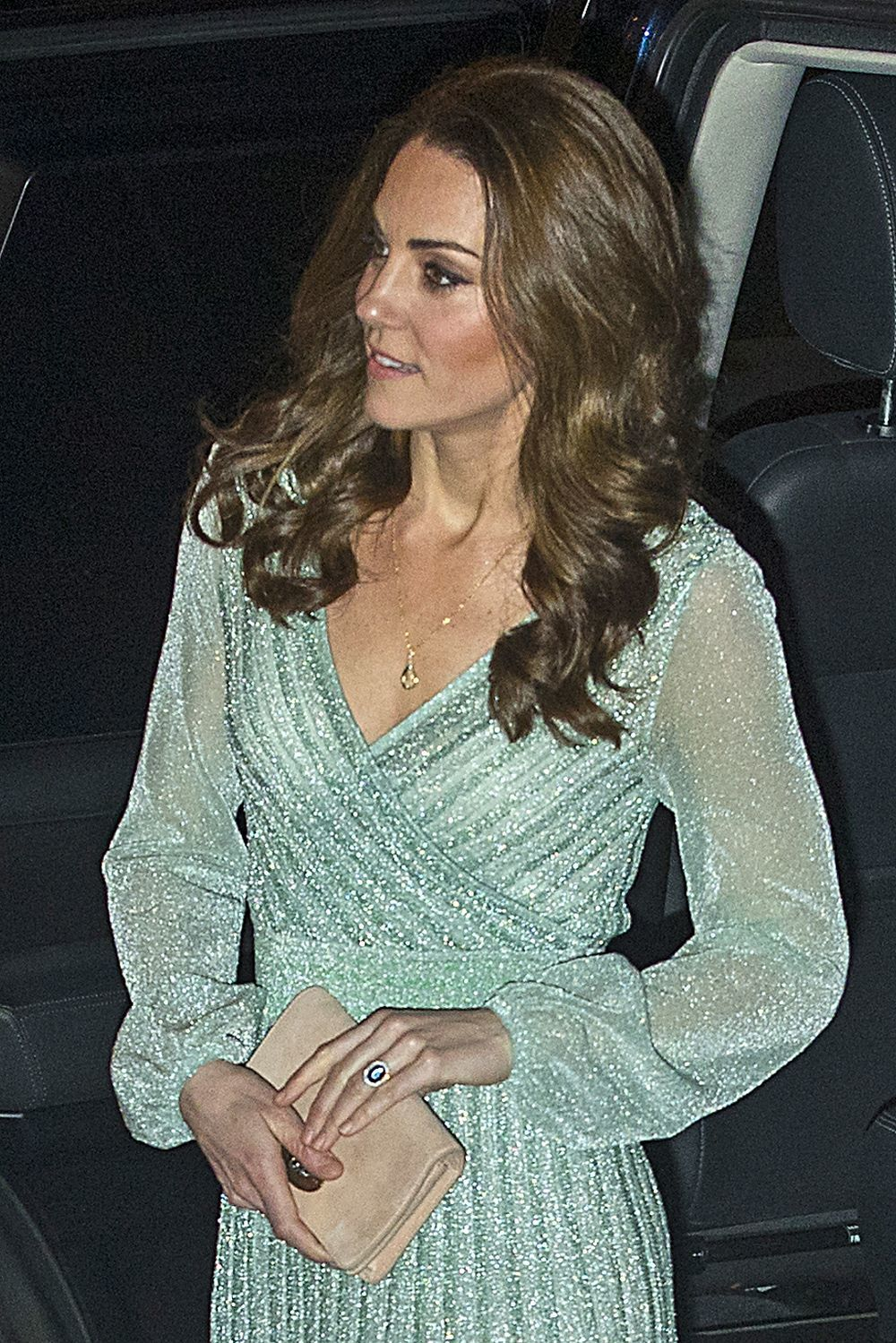 Kate Middleton en un evento nocturno.