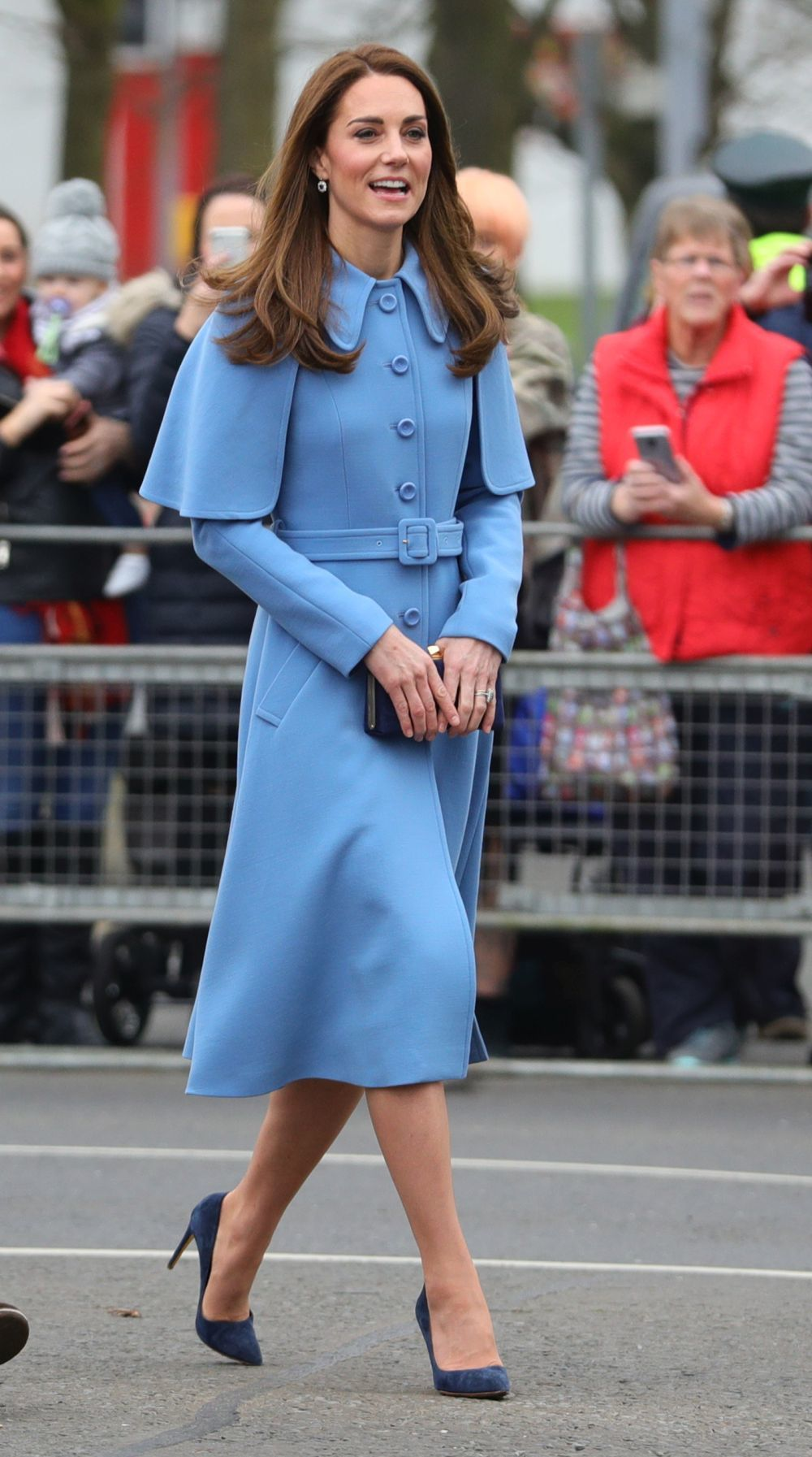 Kate Middleton con un abrigo de Mulberry.