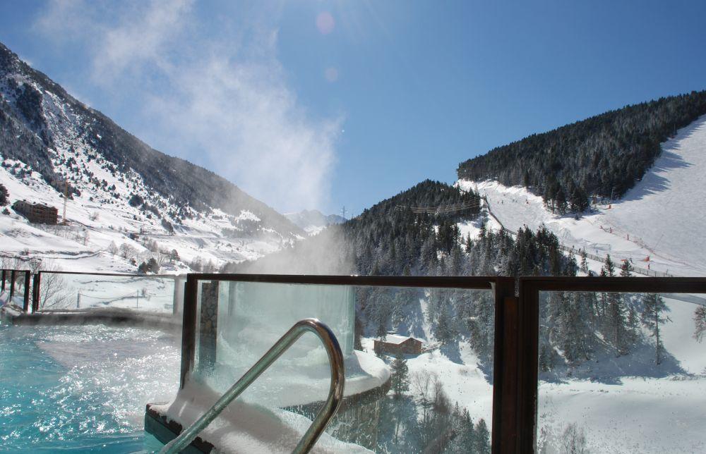 Una de las terrazas con spa del Sport Hotel Hermitage & Spa.