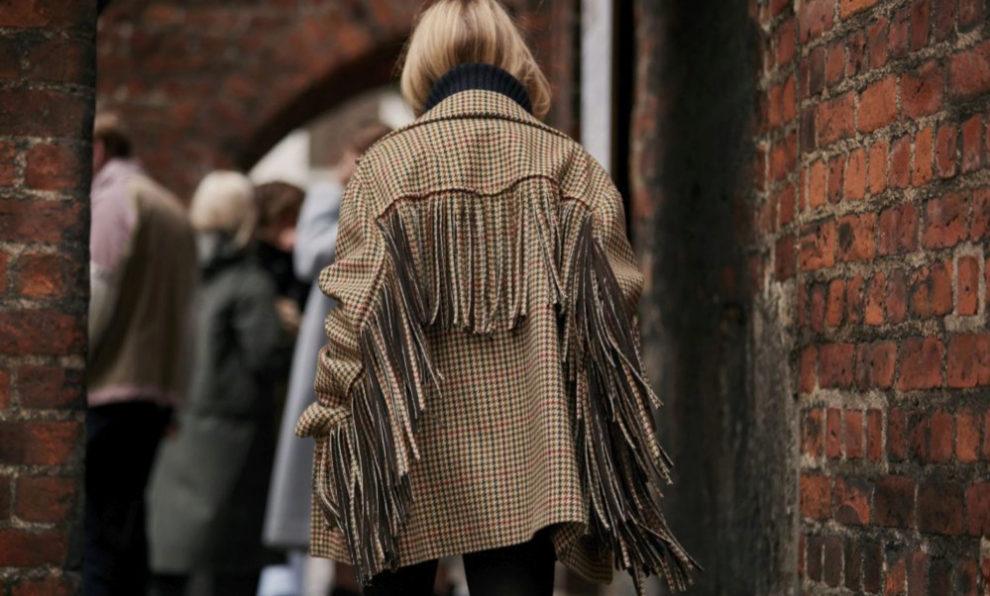 Esta es la chaqueta de flecos que ha vuelto loca a las influencers.