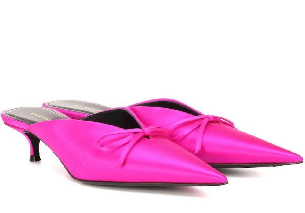 Mules de Balenciaga en color rosa.