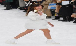 Penélope Cruz, durante el desfile de Chanel otoño-invierno...