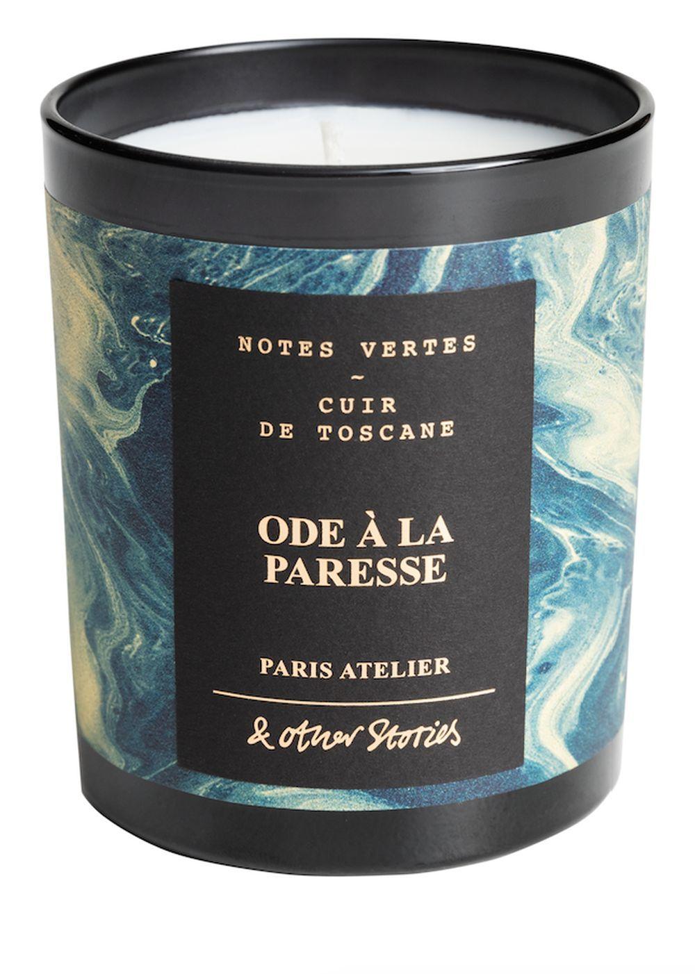 Ode à la Paresse es una vela inspirada en el aroma del cuero Toscano,...