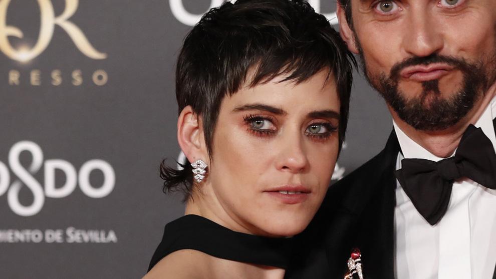 María León, con el maquillaje de ojos naranja en la gala de los Goya 2019.