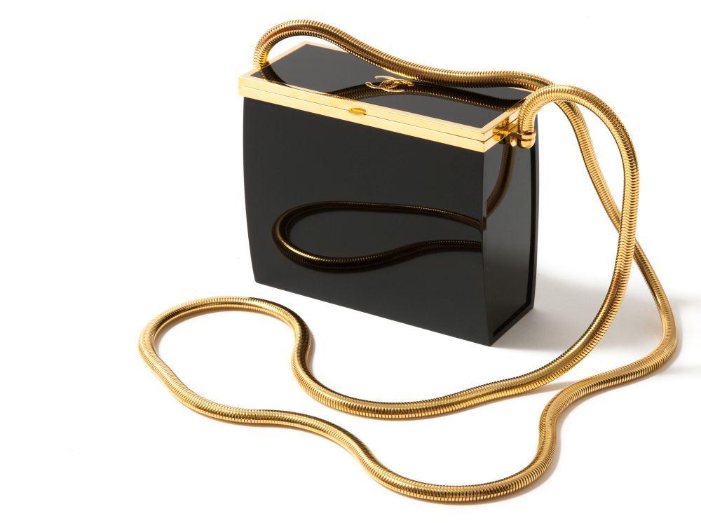 Bolso tipo caja vintage, de Chanel.