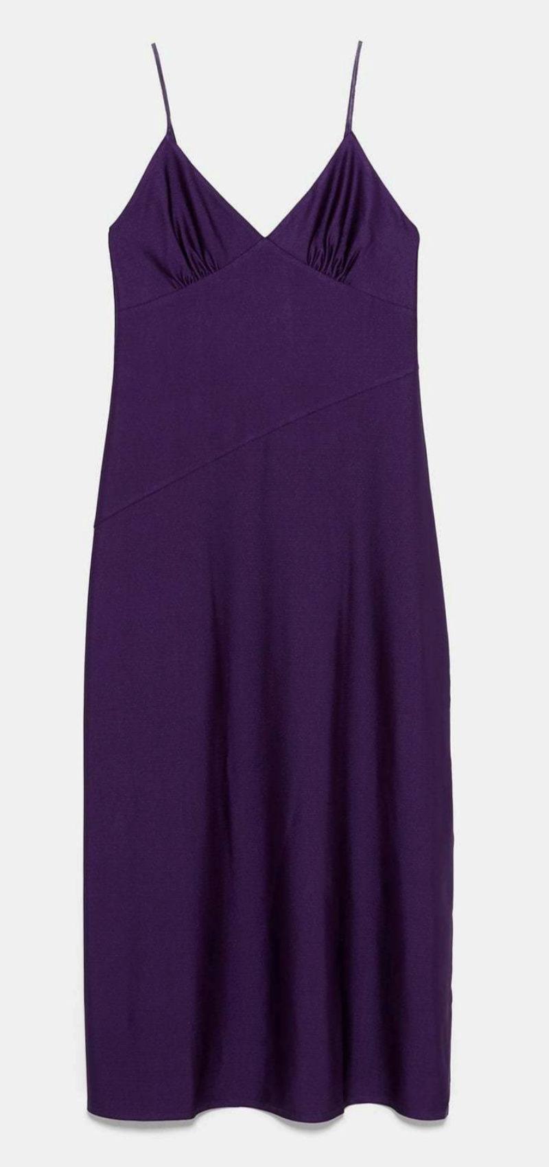 Vestido satinado en color morado de Zara (22,95¤)