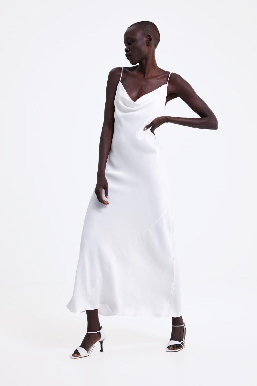 Vestido lencero satinado (39,95 euros).
