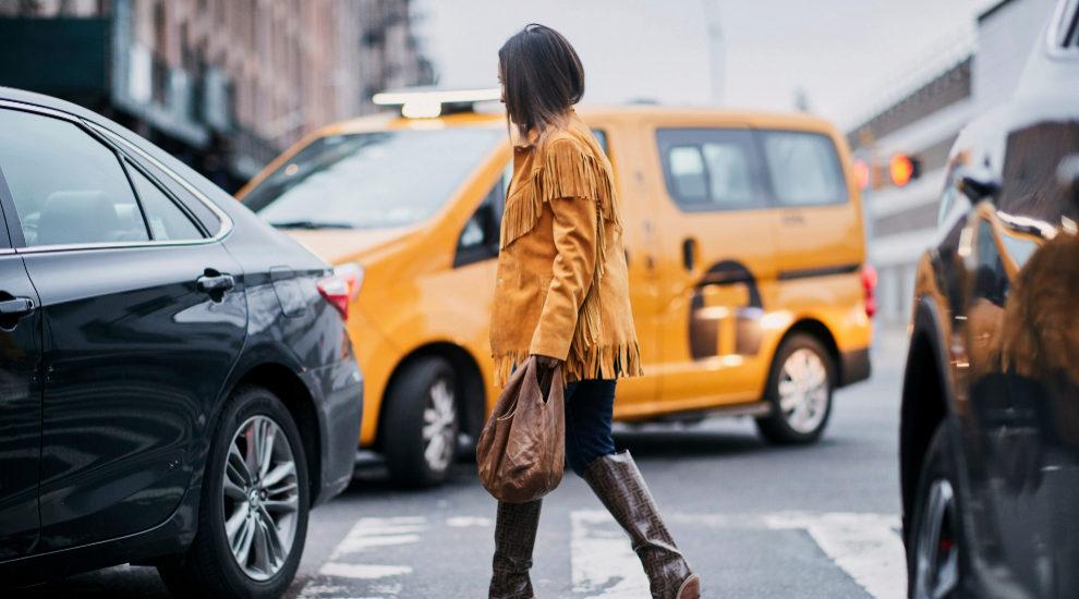 Chaqueta amarilla por las calles de Nueva York