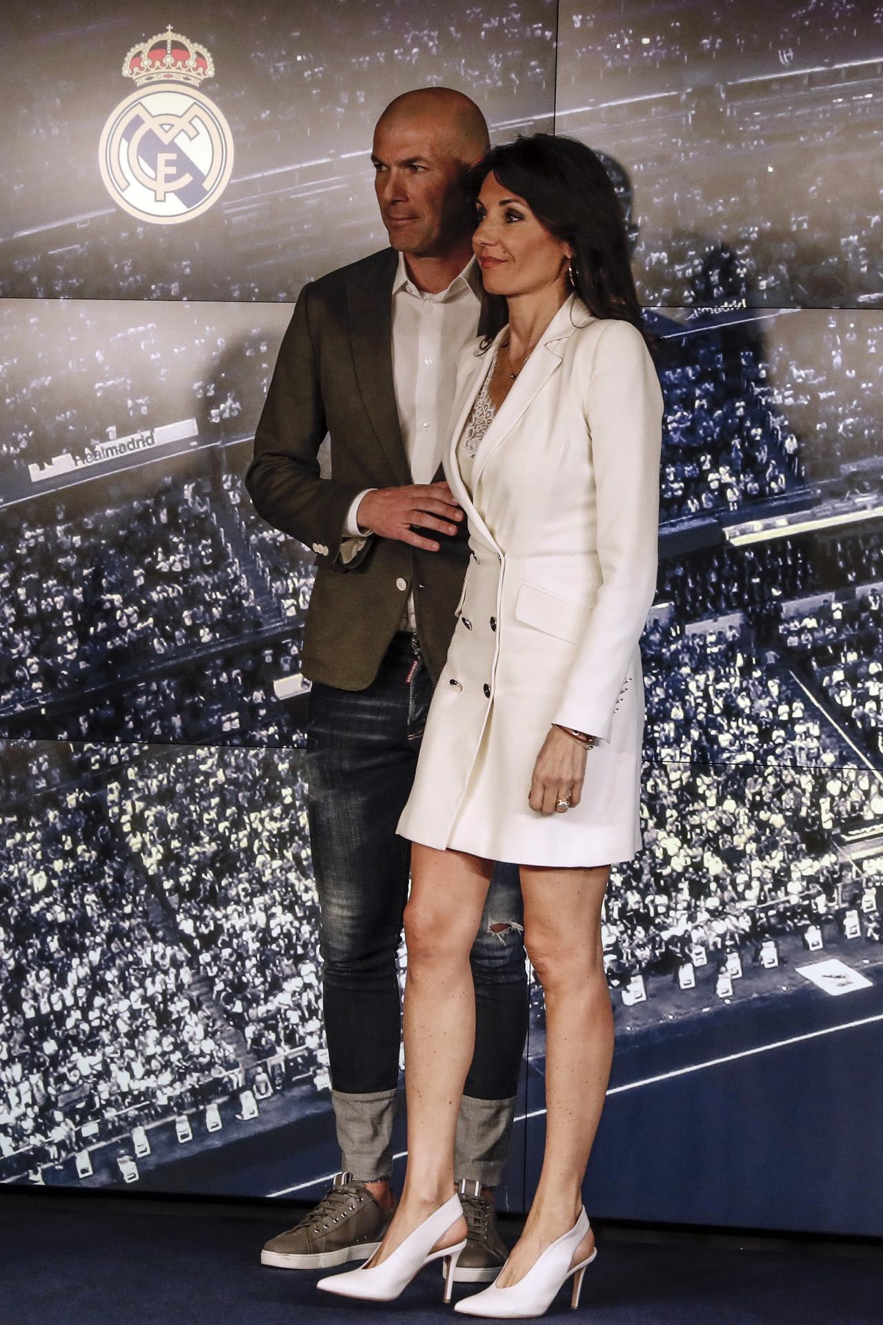 Véronique Fernández y Zinedine Zidane en la presentación del...