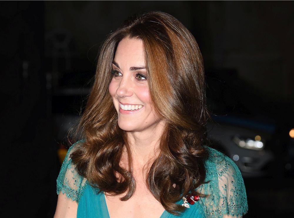 Si quieres lucir la melena suelta, haz como Kate Middleton y dale...