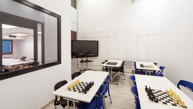 En las aulas sólo se admiten entre 10 y 14 personas por cada...