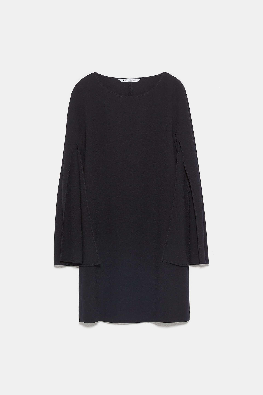 Vestido-capa negro de Zara.