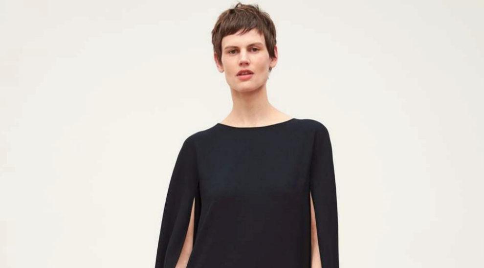 Vestido-capa de Zara.