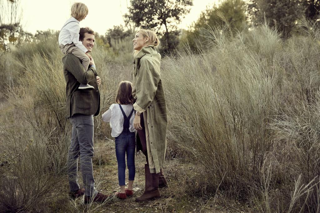 Pablo Casado e Isabel Torres tienen dos hijos, Paloma de 7 años, y Pablo de 5.