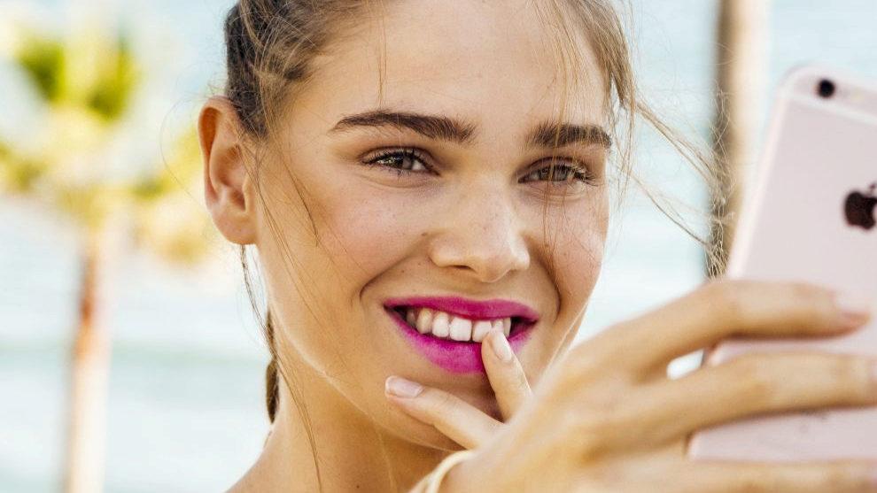 Este labial te pone buena cara de inmediato y su acabado mate dura...