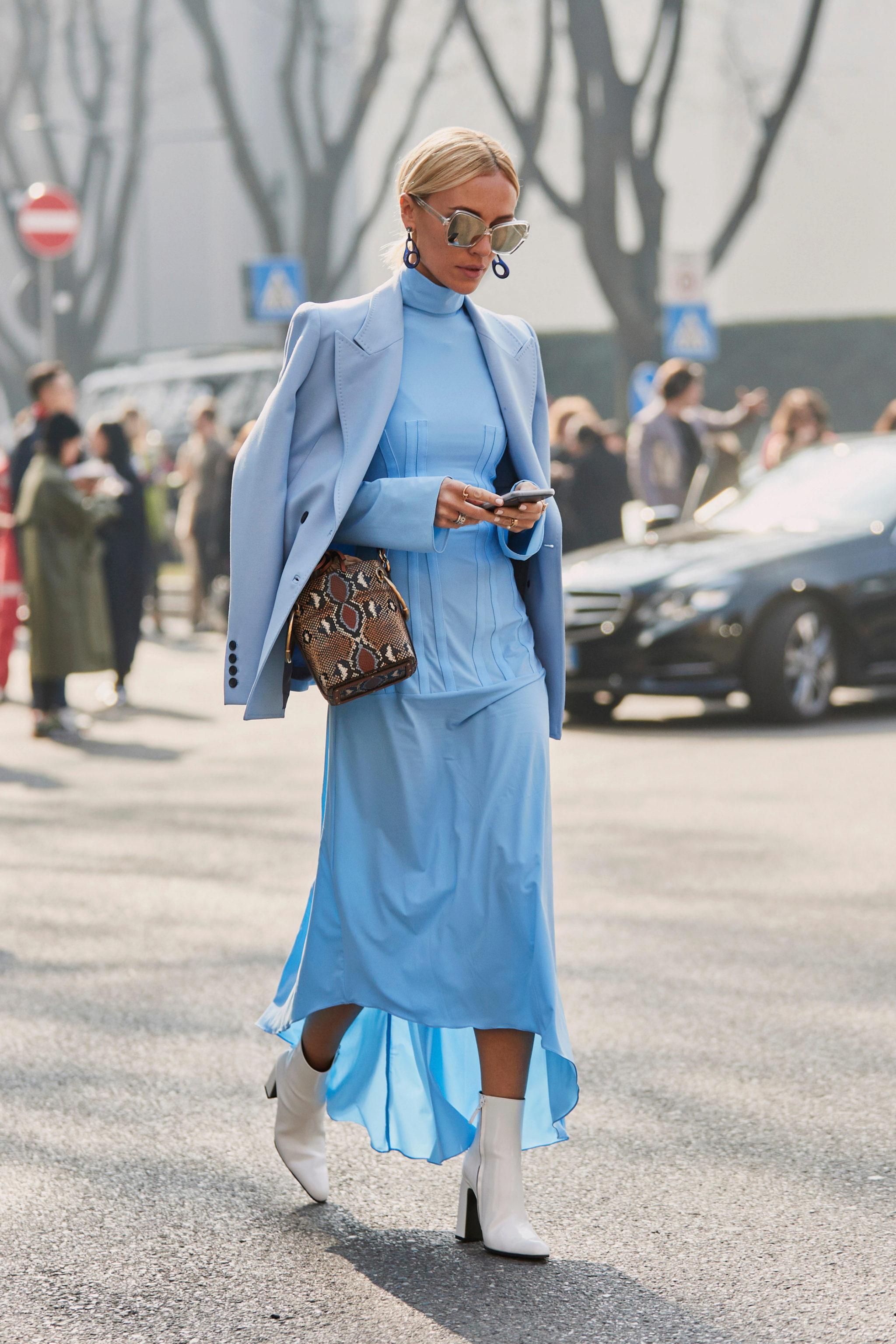 El azul en femenino sería un estilismo con este, en el azul más 'baby' de la paleta