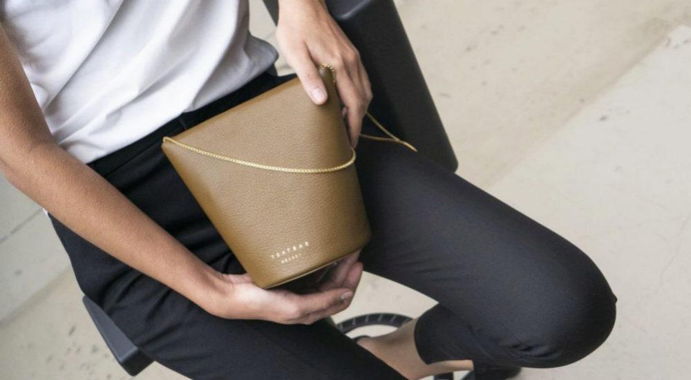 el bolso Olive, cuesta 580 euros.