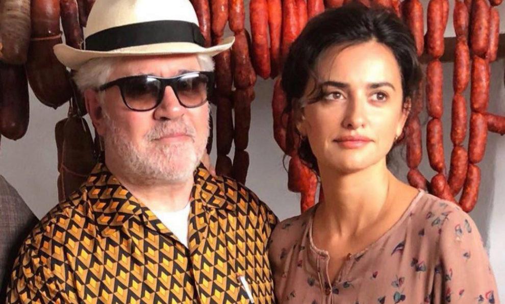 Pedro Almodóvar y Penélope Cruz durante el rodaje de Dolor y gloria