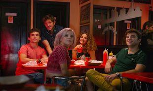 Protagonizada por Pol Monen (<em>Amar</em>), Jaime Lorente (<em>La...