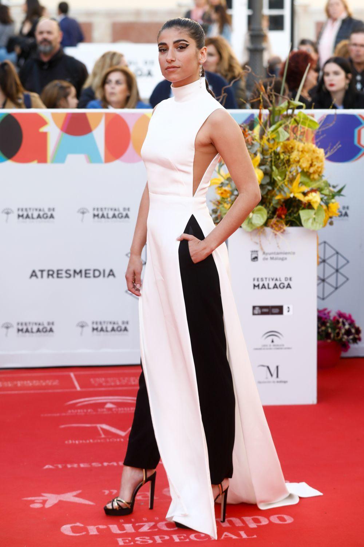 La actriz Carolina Yuste en la alfombra roja  del Festival de Cine...