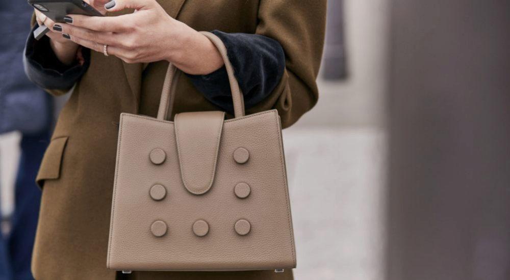 Nos lanzamos en busca del bolso perfecto para tus looks de...