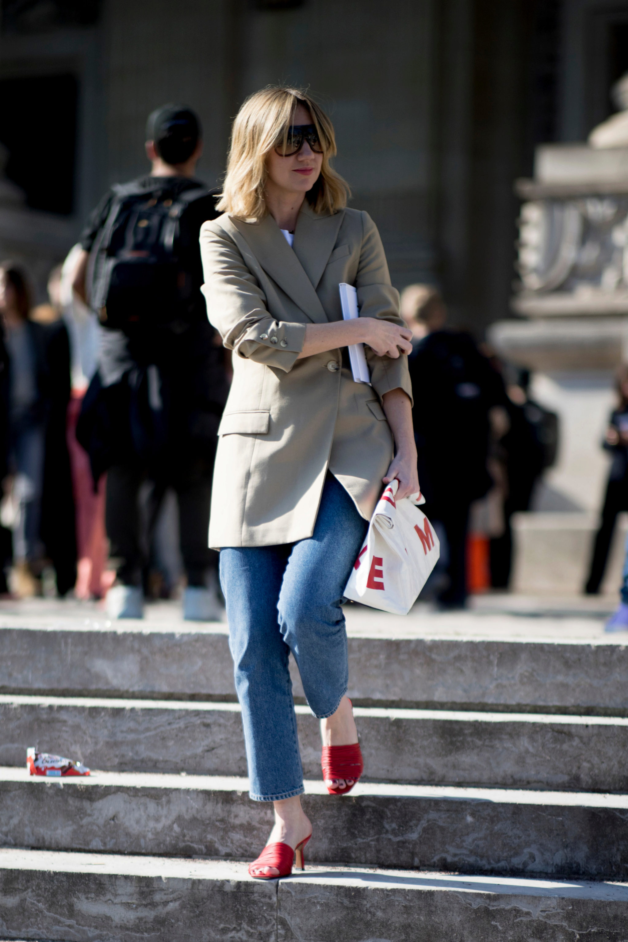 sandalias originales en el street style de París