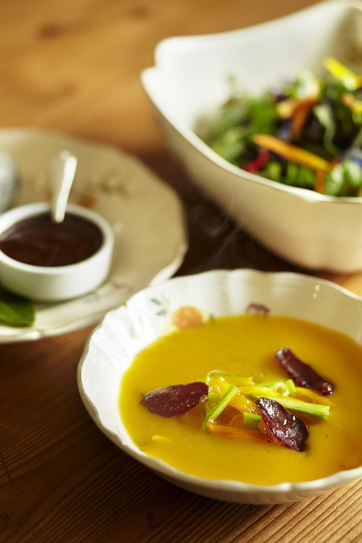 Algunos alimentos como las zanahorias se absorben mejor cocinadas y si...