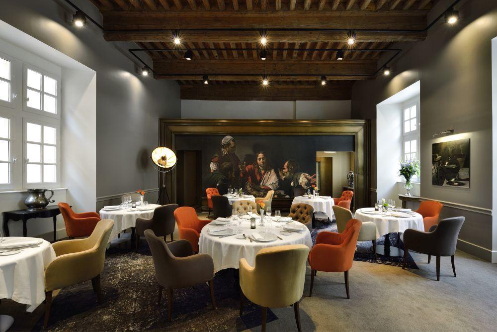 Le Cenacle, Hotel Le cour des consuls