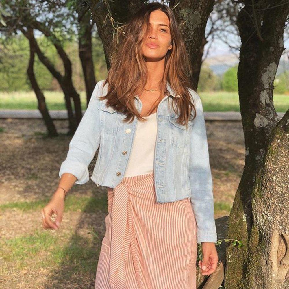 Sara Carbonero con look primaveral