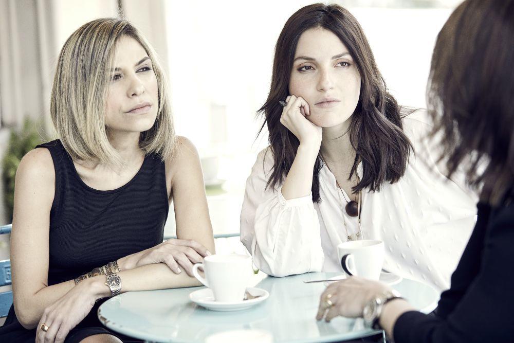 De izda. a dcha., Karina Sainz Borgo, Mitzy Ledezma y Eliza Arcaya.